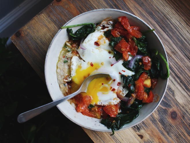 How to eat healthy on a budget in New York City, Brooklyn RECIPE Savory Oatmeal with Spinach and a fried egg